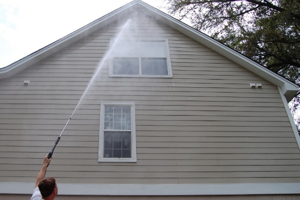 Vinyl Siding Cleaning Service